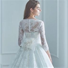 オフショルダー、割引可能なレンタルウェディング(ブランドもOK)のドレスなら東衣装店ブランビジュー。カラードレスも豊富。サイズ調整もできるからマタニティー(妊婦さん)でも心配ご無用。ベアトップ、ビスチェ、人気上位のAライン、プリンセスラインなどデザインも沢山あります。安心のデリバリーとブランドウェディングドレスがリーズナブルな価格でレンタル出来ます。