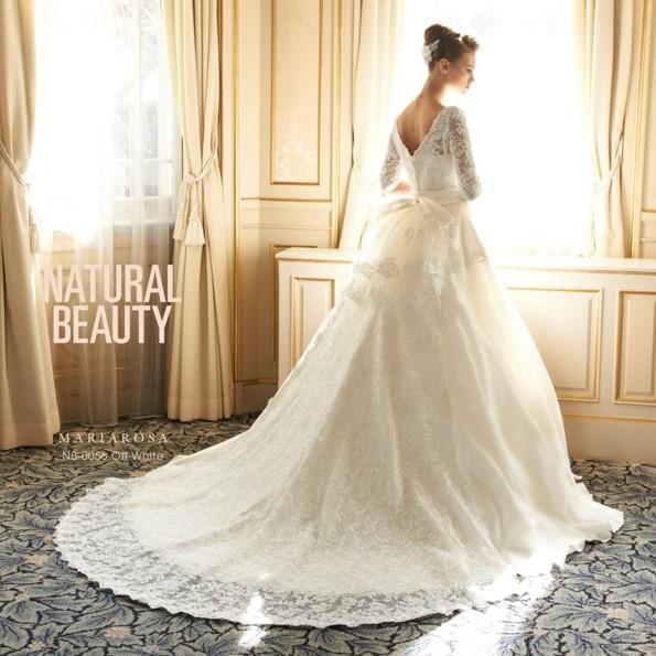 ナチュラルビューティーのドレスなら東衣装店ブランビジュー。カラードレスも豊富。サイズ調整もできるからマタニティー(妊婦さん)でも心配ご無用。ベアトップ、ビスチェ、人気上位のAライン、プリンセスラインなどデザインも沢山あります。安心のデリバリーとブランドウェディングドレスがリーズナブルな価格でレンタル出来ます。