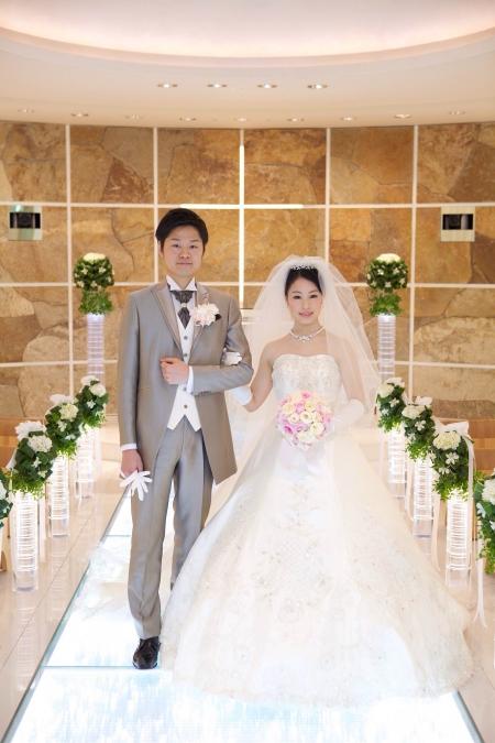 ヒルトン東京のドレスや和装なら東衣装店・ブランビジューへご用命ください。ウェディングドレスはAラインや最近トレンドの袖付きドレス(オフショルダー)など始め様々なラインのドレスのご用意がございます。カラードレスは人気のピンク・レッド・ブルーの他バリエーション豊かにあります。ジルスチュアート・アンテプリマ・佐々木希コレクションの他、インポートなドレスや高級感あるシルクのウェディングドレスなど。和装(色打掛・振袖)については古典柄・色鮮やかな現代調など老舗衣装店ならではの品揃えでお待ち申し上げます。